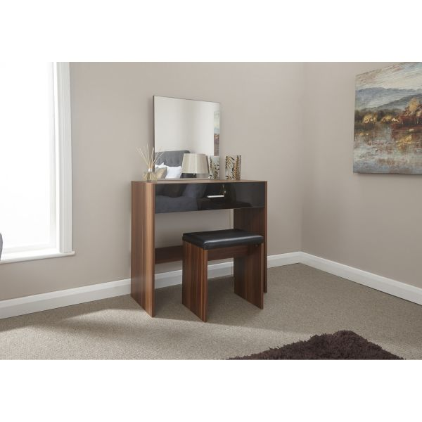 OTTAWA Walnut Dresser Set