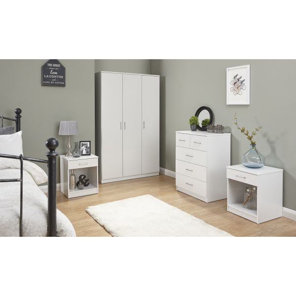 4 piece wardrobe, 2 bedside cabinets and chest of drawer set in white